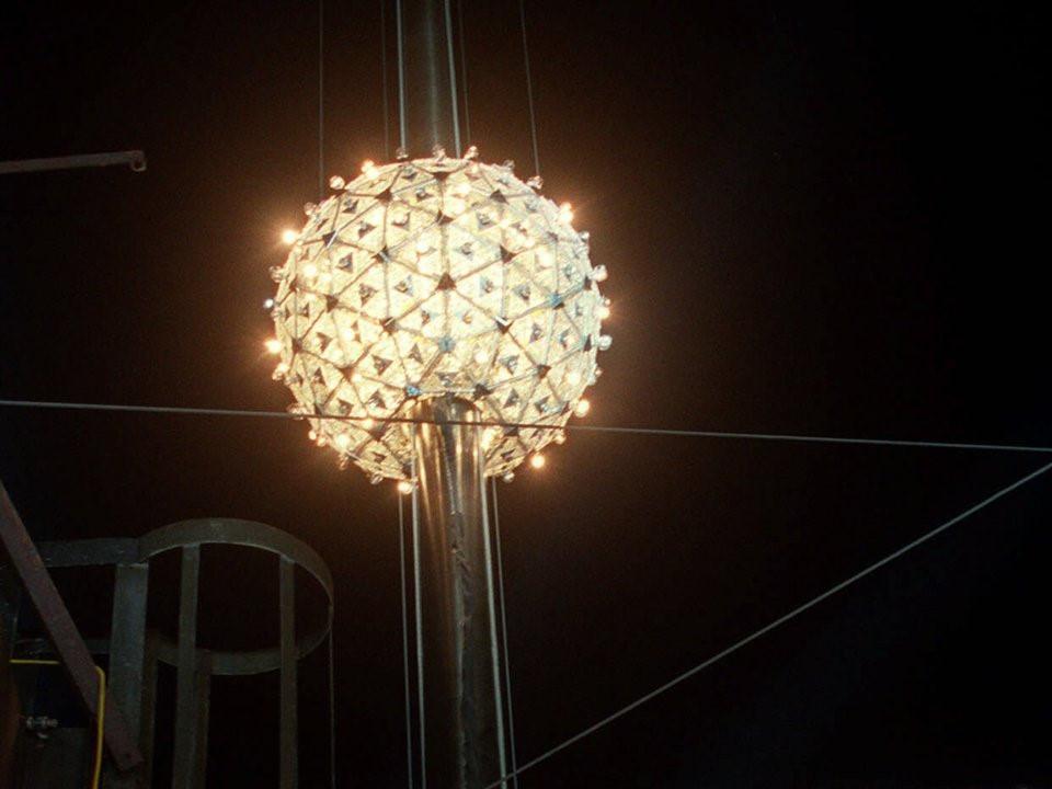 111 năm lịch sử của quả cầu rơi đón giao thừa ở Quảng trường Thời đại-10