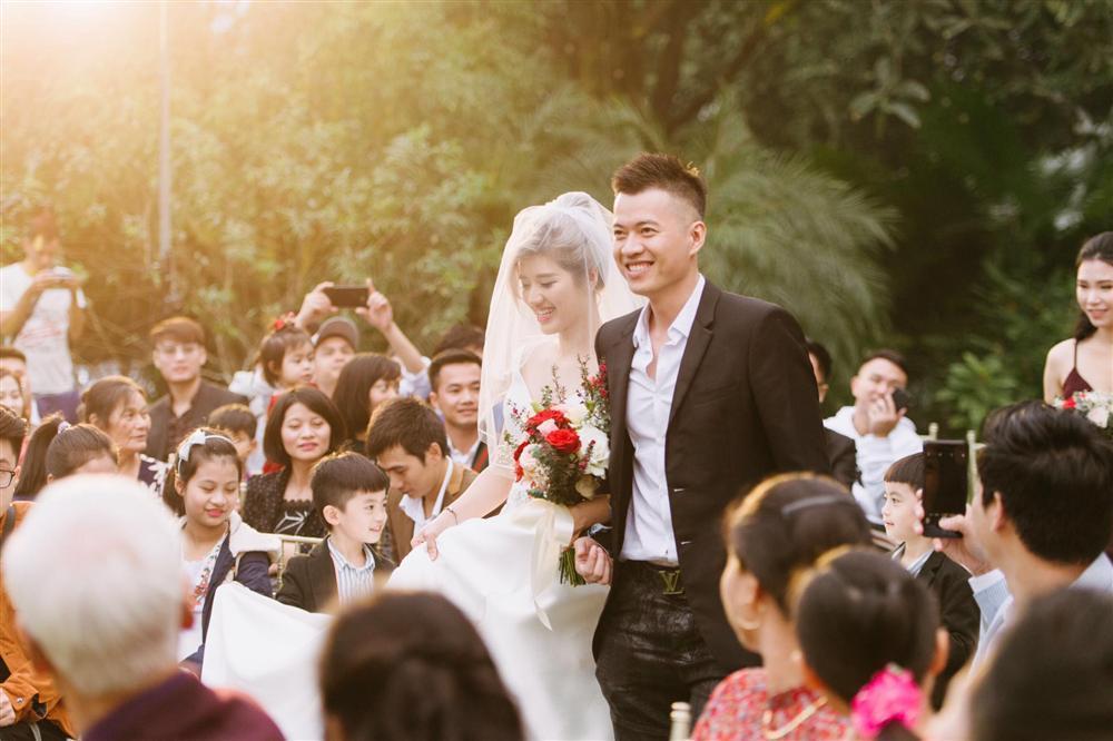 Có anh xã đẹp trai chưa đủ, Lưu Đê Li chính thức lép vế khi nhân tố đặc biệt bên nhà chồng xuất hiện-7