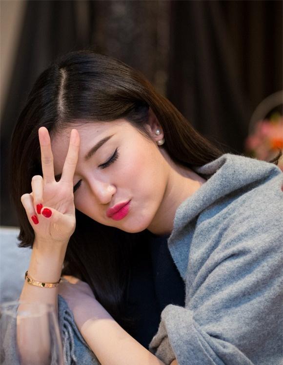 Hoa hậu Kỳ Duyên - người mẫu Minh Triệu bị phát hiện cùng đeo tín vật tình yêu chỉ các cặp tình nhân mới sử dụng-17