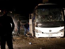 Xe chở du khách Việt Nam bị đánh bom ở Ai Cập, 4 người chết
