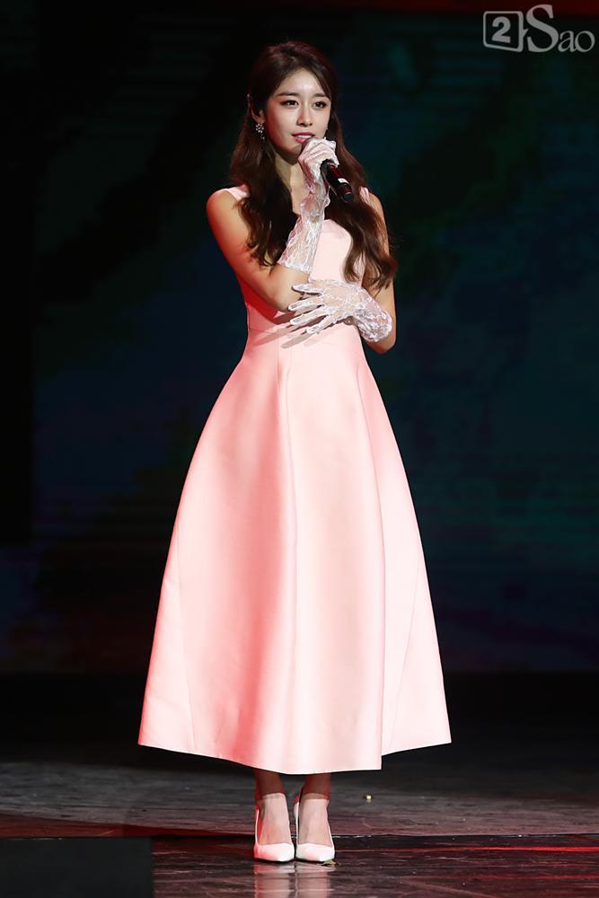 Jiyeon - Soobin song ca tình tứ, iKON hứa sẽ làm concert tại Việt Nam-4