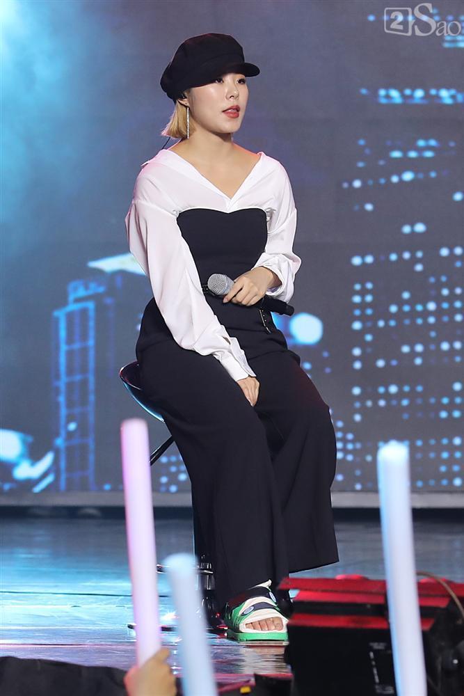 Jiyeon - Soobin song ca tình tứ, iKON hứa sẽ làm concert tại Việt Nam-10