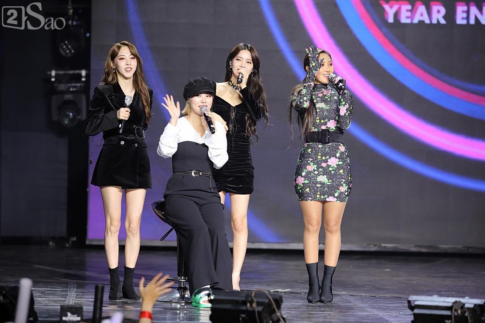 Jiyeon - Soobin song ca tình tứ, iKON hứa sẽ làm concert tại Việt Nam-11