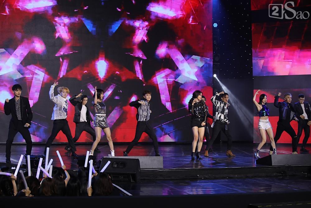 Jiyeon - Soobin song ca tình tứ, iKON hứa sẽ làm concert tại Việt Nam-24