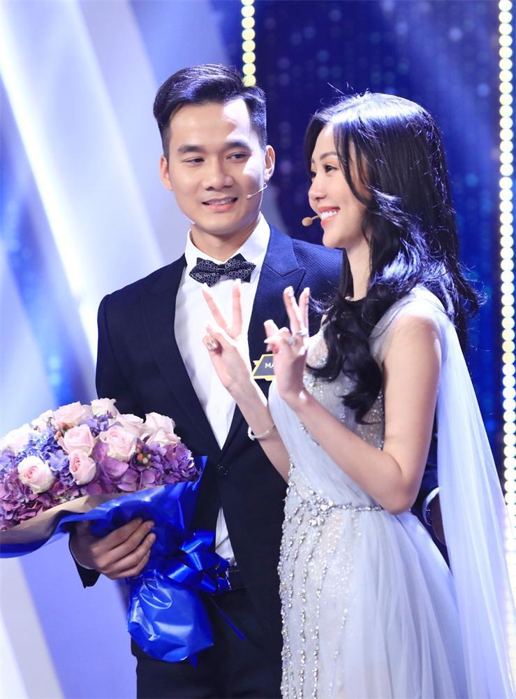 Trấn Thành - Hương Giang rơi nước mắt với hoàn cảnh bố mất, mẹ đi lấy chồng của chàng trai LGBT-2