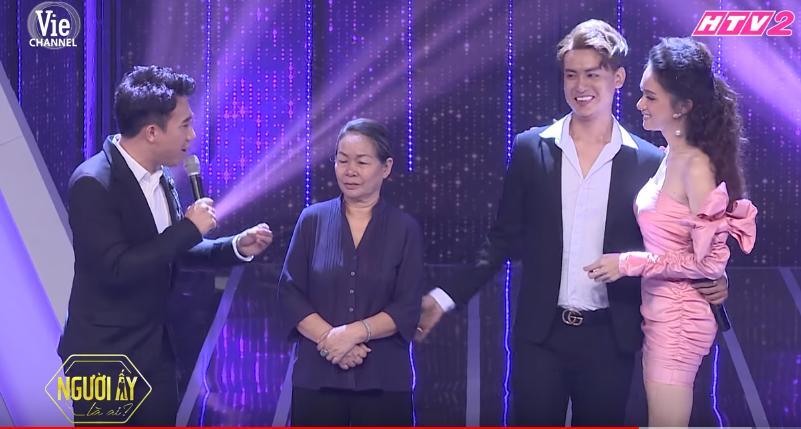 Trấn Thành - Hương Giang rơi nước mắt với hoàn cảnh bố mất, mẹ đi lấy chồng của chàng trai LGBT-1