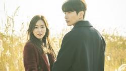 Mặc thời tiết lạnh, Seo Hyun Jin vẫn đến xem buổi biểu diễn của Yoo Yeon Seok