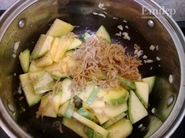 Canh bí non nấu đậu phụ ngọt ấm ngon cơm-3