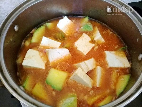 Canh bí non nấu đậu phụ ngọt ấm ngon cơm-5