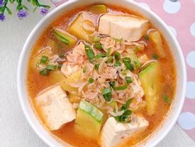 Canh bí non nấu đậu phụ ngọt ấm ngon cơm