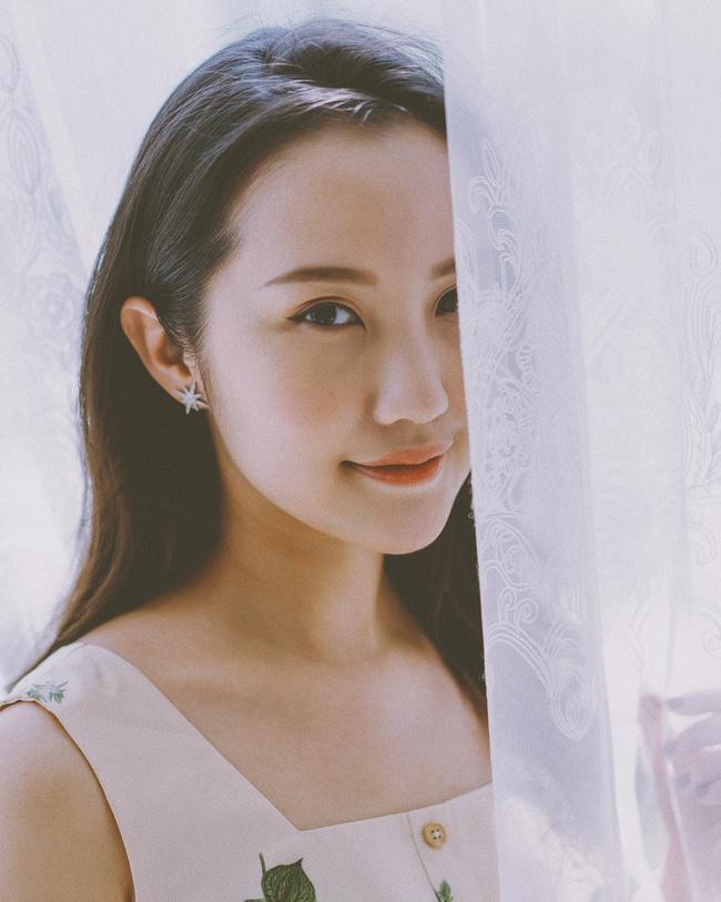 Hơn 1 năm công khai yêu thiếu gia Phan Thành, Xuân Thảo ít up ảnh bên người yêu nhưng phong cách thời trang ngày càng chất-10