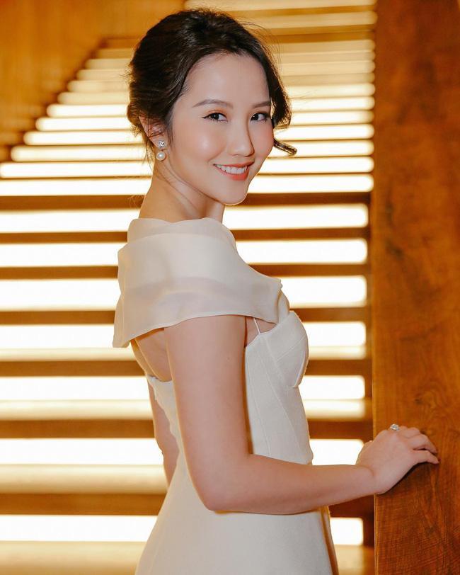 Hơn 1 năm công khai yêu thiếu gia Phan Thành, Xuân Thảo ít up ảnh bên người yêu nhưng phong cách thời trang ngày càng chất-11