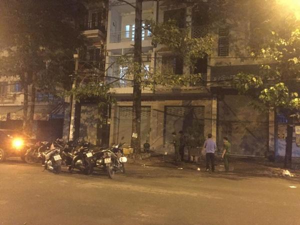 Giang hồ dùng súng, mã tấu hỗn chiến náo loạn đường phố Sài Gòn-1