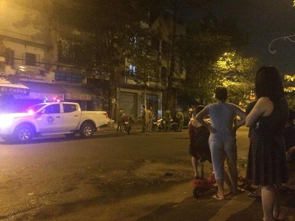 Giang hồ dùng súng, mã tấu hỗn chiến náo loạn đường phố Sài Gòn-2