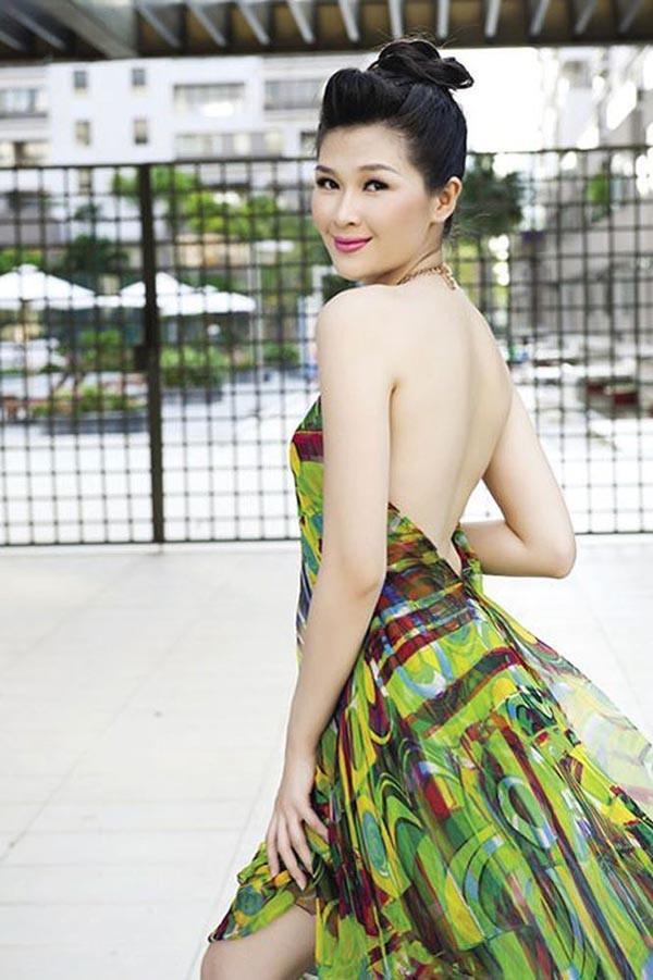 Cuộc sống của Á hậu Mạc Anh Thư từ bỏ sự nghiệp, làm hậu phương cho Huy Khánh giờ ra sao?-5