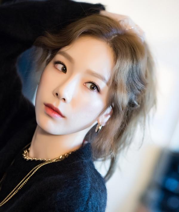 Khoe đi hát karaoke nhưng fan cứ tưởng Taeyeon đang biểu diễn ở concert nào!-1