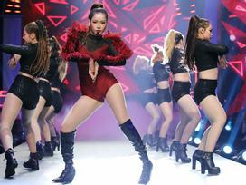 Vừa nhảy vừa hát mà không hụt hơi, Chi Pu bị dân mạng nghi ngờ hát nhép trên truyền hình