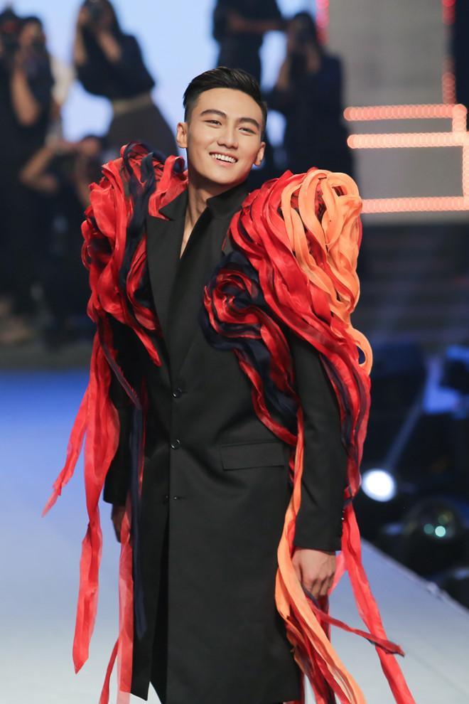 Khán giả phẫn nộ khi học trò Thanh Hằng đoạt quán quân The Face 2018-3