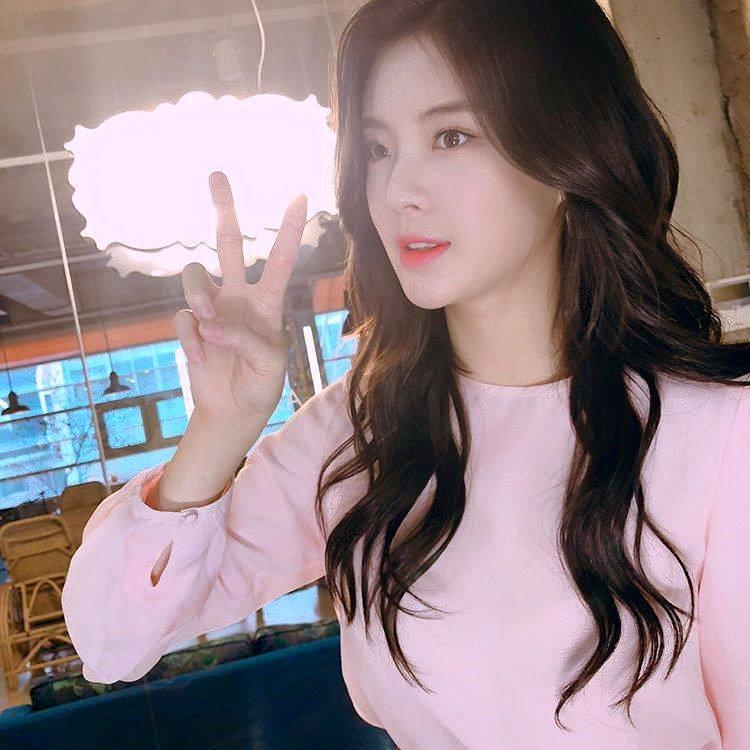Cận cảnh nhan sắc xinh đẹp xứng đôi vừa lứa của bạn gái Lee Kwang Soo-6