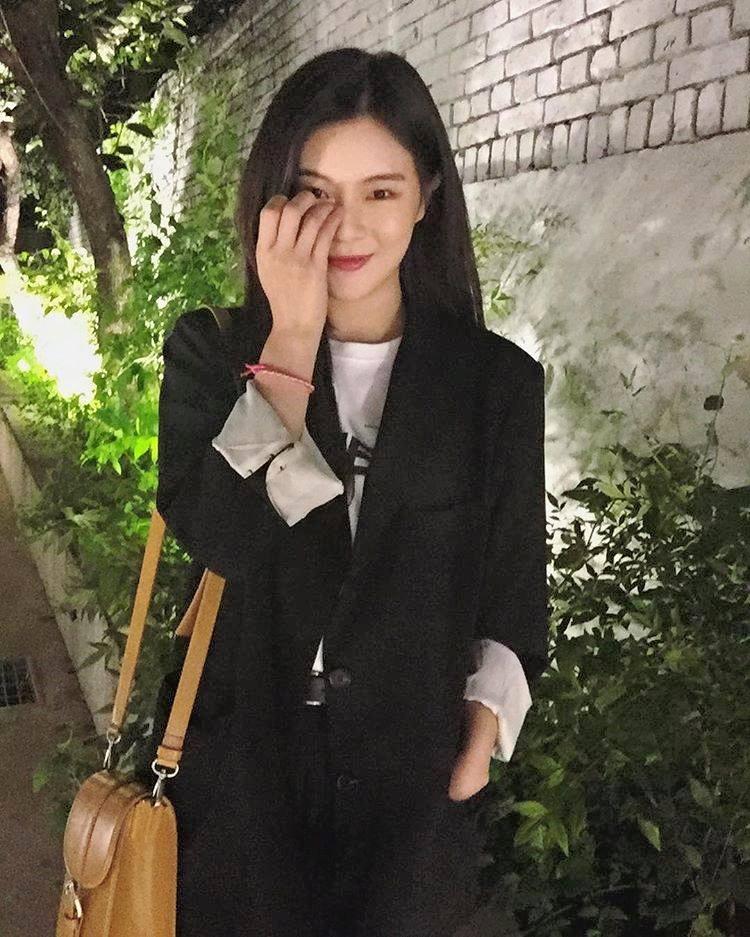 Cận cảnh nhan sắc xinh đẹp xứng đôi vừa lứa của bạn gái Lee Kwang Soo-11