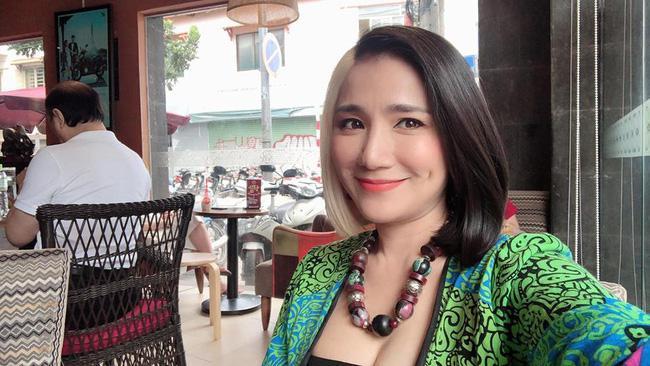 43 tuổi, bà mai Cát Tường khởi động năm 2019 bằng mái tóc không thể CHẤT hơn-4