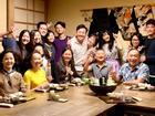 Trấn Thành lần đầu tiên khoe ảnh đại gia đình Việt - Hàn - Hoa hội tụ