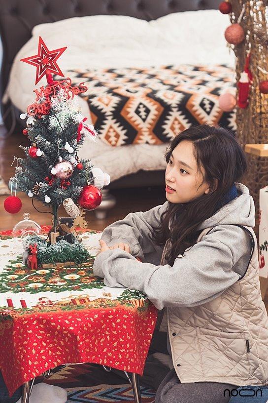 Ảnh hậu xứ Hàn Kim Min Hee hẹn hò tình nhân U60 đầu năm mới-6