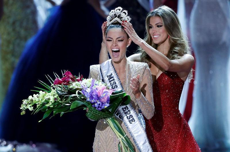 4 Hoa hậu Hoàn vũ triều đại IMG: Không ai đẹp tuyệt sắc, gây tranh cãi nhất vẫn là Bánh Pía Philippines-8