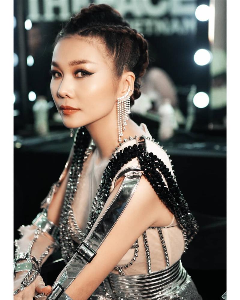 SAO MAKE OVER: Angela Phương Trinh và Minh Hằng tranh ngôi nữ thần chỉ riêng Kỳ Duyên họa mặt già đau già đớn-9