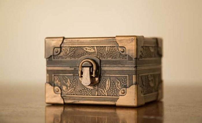 Bí mật đặt chiếc 'hộp thần' này dưới gầm giường, đang NGHÈO RỚT MÙNG TƠI cũng hóa giàu sau 3 ngày 2 đêm-1