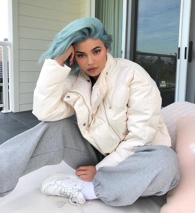 Kylie Jenner dẫn đầu mọi trào lưu và luôn khiến fan té ghế-2