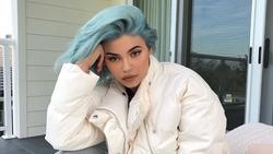 Kylie Jenner dẫn đầu mọi trào lưu và luôn khiến fan 'té ghế'