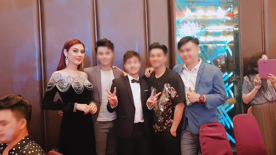 Đã tìm ra sự thật đằng sau bức ảnh gương mặt nhăn nhúm thâm xì của công chúa Lâm Khánh Chi-4