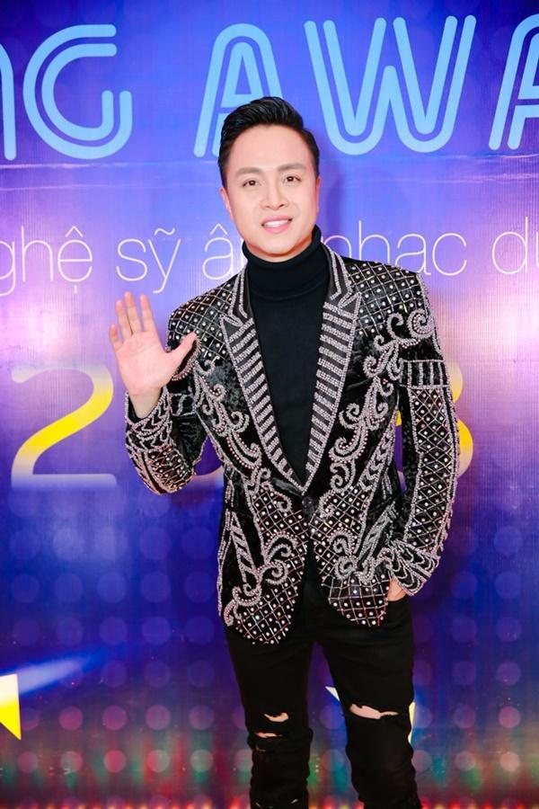 Cùng diện đầm cắt xẻ sexy, HHen Niê - Mỹ Linh - Hương Giang bất phân thắng bại trên thảm đỏ-25