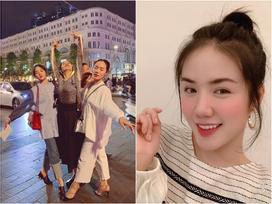 Nhìn 2 chị em Phương Linh - Phương Ly tạo dáng cùng mẹ giữa phố là đủ hiểu 'gen lầy' di truyền thế nào!