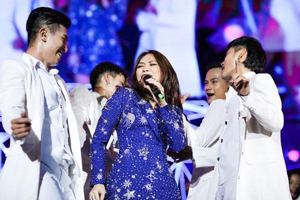 Mỹ Tâm, Sơn Tùng đốt cháy sân khấu nhạc hội Tiger Remix-1