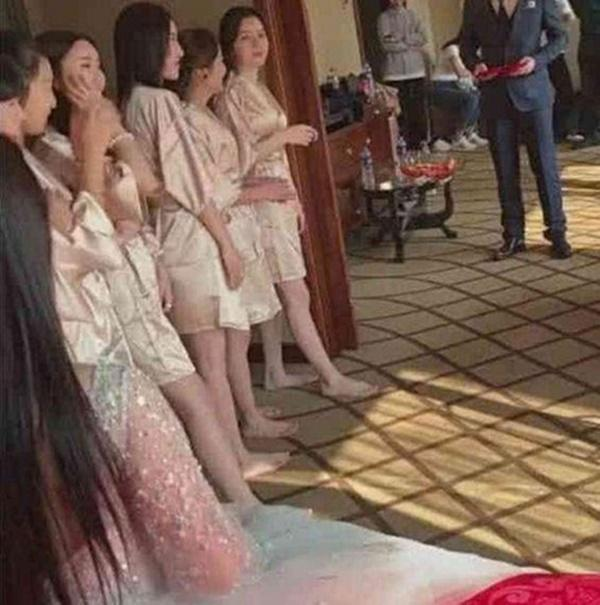 Hé lộ thông tin về 4 cô gái xinh đẹp ăn mặc mát mẻ, khoe trọn vòng 3 gây xôn xao những ngày qua-5