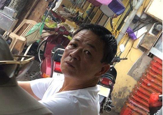 Khởi tố bị can, bắt Hưng kính trong vụ bảo kê chợ Long Biên-2