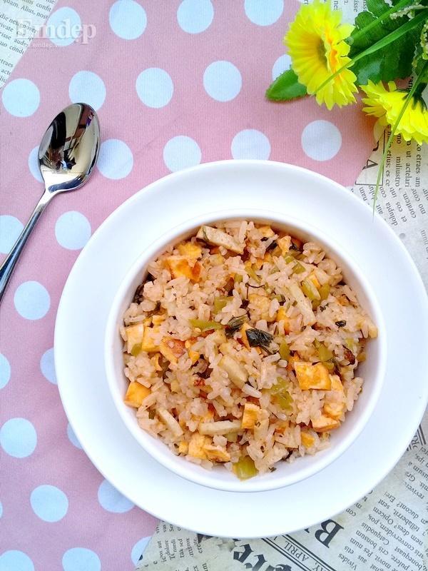 Bữa sáng đơn giản ngon miệng với cơm rang giò thơm ngon-5
