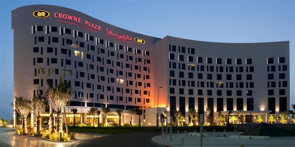 Vừa đặt chân tới Abu Dhabi, thủ môn Đặng Văn Lâm đã vội khoe khoảnh khắc sống ảo ở khách sạn siêu sang-1