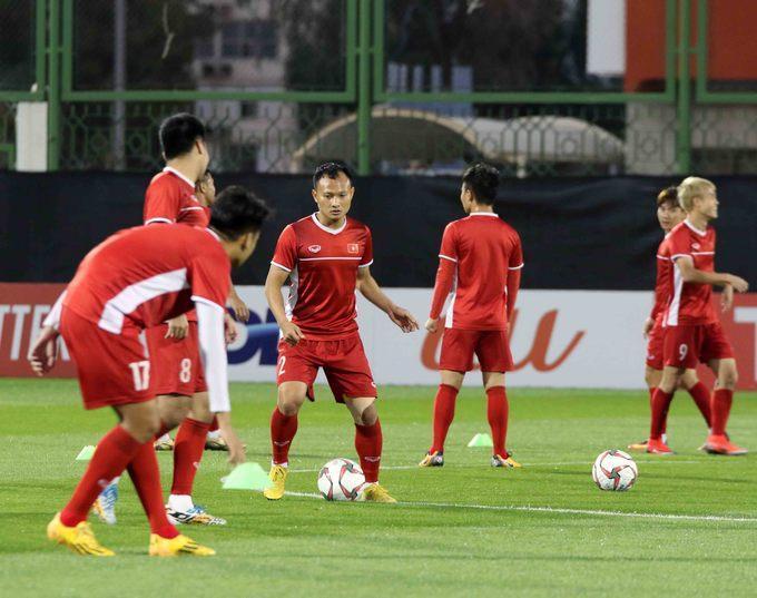 Vừa đặt chân tới Abu Dhabi, thủ môn Đặng Văn Lâm đã vội khoe khoảnh khắc sống ảo ở khách sạn siêu sang-3