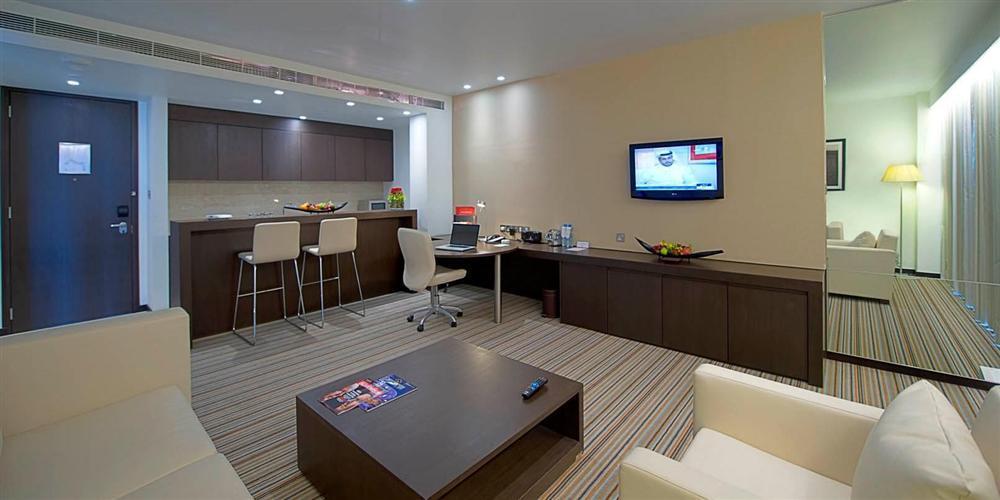 Vừa đặt chân tới Abu Dhabi, thủ môn Đặng Văn Lâm đã vội khoe khoảnh khắc sống ảo ở khách sạn siêu sang-2