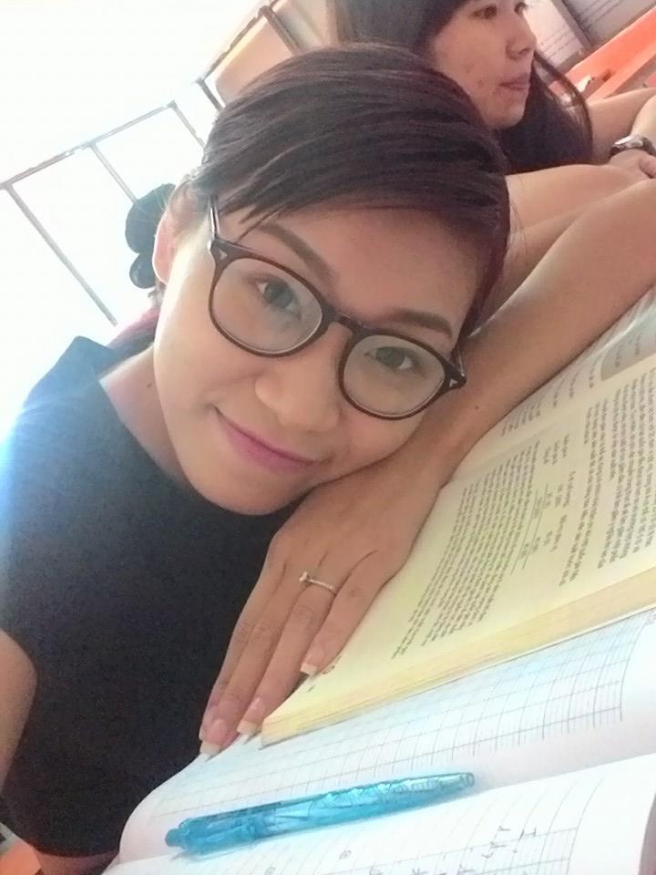 Vóc dáng gợi cảm của người mẫu Kim Anh trước khi chỉ còn da bọc xương vì ung thư giai đoạn cuối-10