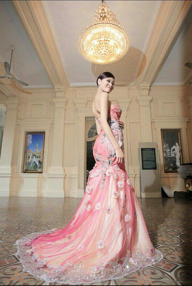 Vóc dáng gợi cảm của người mẫu Kim Anh trước khi chỉ còn da bọc xương vì ung thư giai đoạn cuối-7