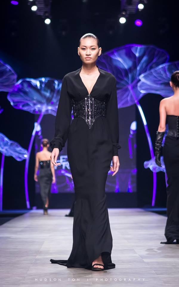 Vóc dáng gợi cảm của người mẫu Kim Anh trước khi chỉ còn da bọc xương vì ung thư giai đoạn cuối-4