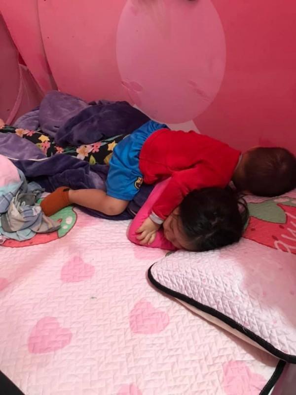 Cười ra nước mắt với chuyện kể của hội chị em bỉm sữa vì đẻ hai con quá sát nhau-3