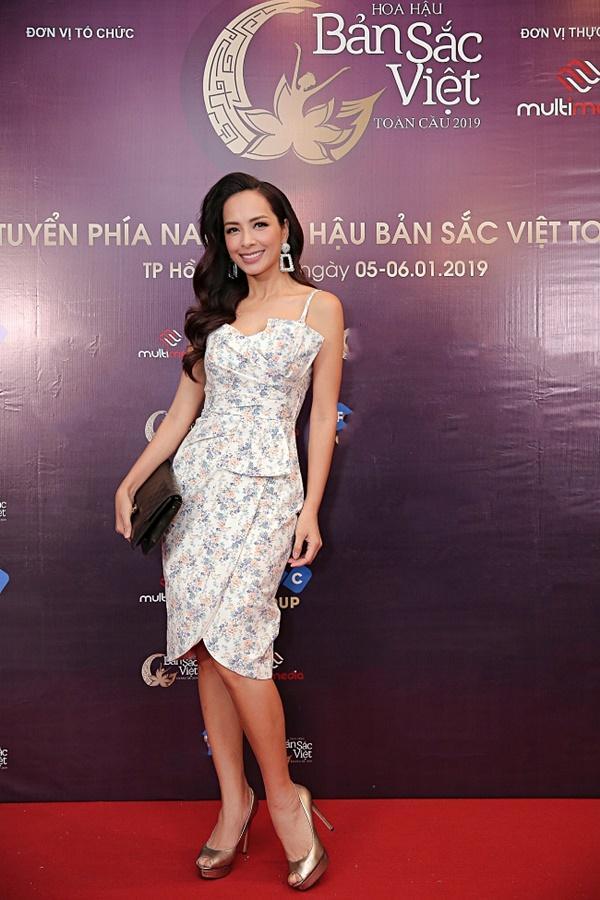 Kiên trì không kém Phạm Hương, Tường Linh tiếp tục chinh chiến Hoa hậu Bản sắc Việt toàn cầu 2019-1