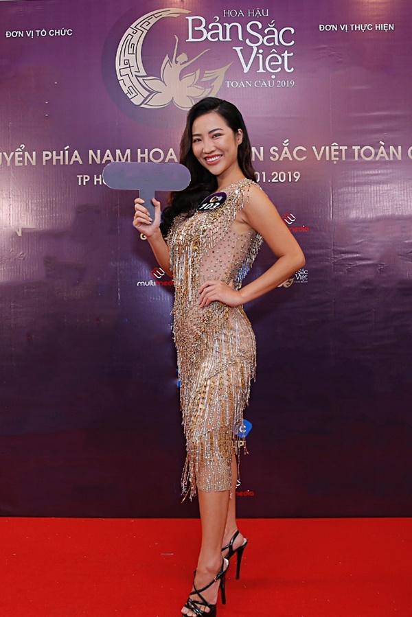 Kiên trì không kém Phạm Hương, Tường Linh tiếp tục chinh chiến Hoa hậu Bản sắc Việt toàn cầu 2019-8