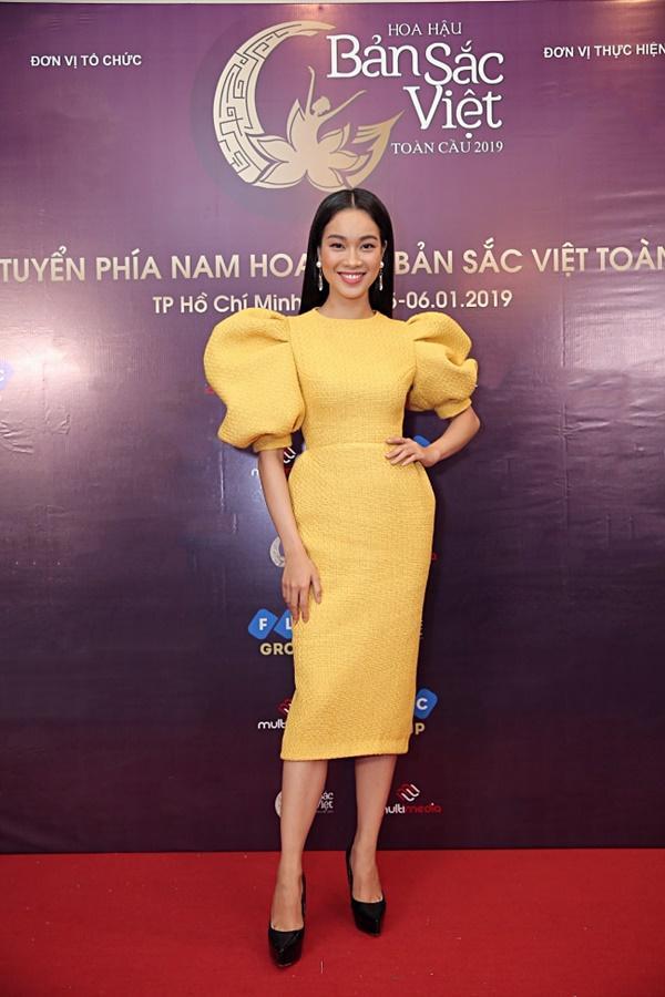 Kiên trì không kém Phạm Hương, Tường Linh tiếp tục chinh chiến Hoa hậu Bản sắc Việt toàn cầu 2019-11