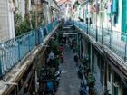Con hẻm 100 tuổi của Sài Gòn quyến rũ trên báo Tây